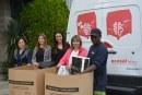 L'equip de personal de l'empresa Roberlo recull més de 100kg de roba