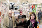 Donació de la botiga TEIXITS MATAS de Figueres en la campanya #elCompromísNoTanca